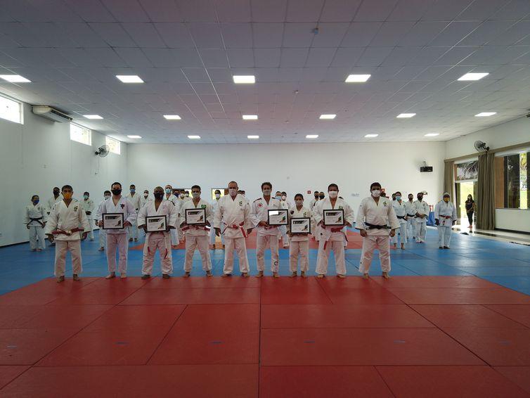 judo:-cinco-medalhistas-olimpicos-sao-promovidos-a-kodansha-(6o-dan)