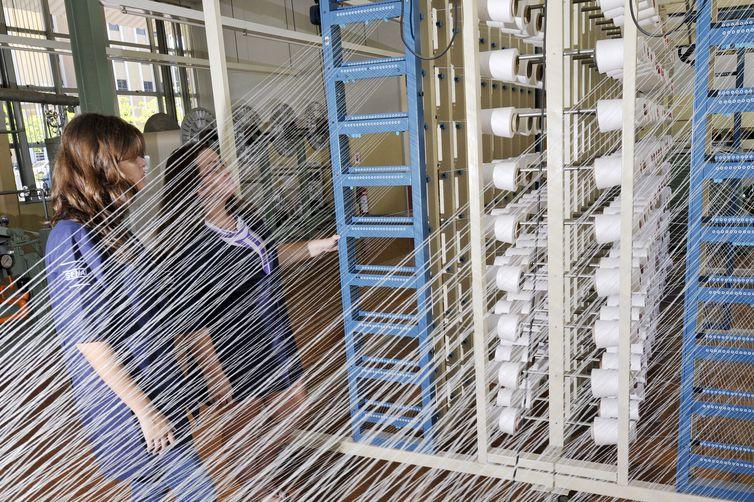 producao-textil-cai-9%-ao-longo-de-12-meses