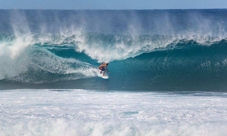 surfe:-ondulacao-irregular-faz-wsl-adiar-competicoes-para-domingo