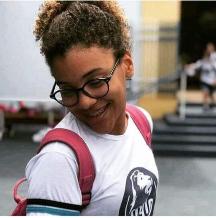 nadadora-paulista-de-14-anos-morre-em-decorrencia-da-covid-19