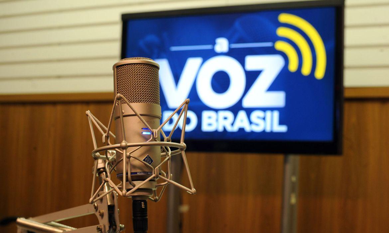 aberta-consulta-publica-sobre-flexibilizacao-da-voz-do-brasil-em-2021