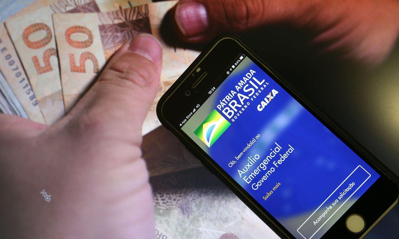 caixa-paga-auxilio-emergencial-para-nascidos-em-outubro