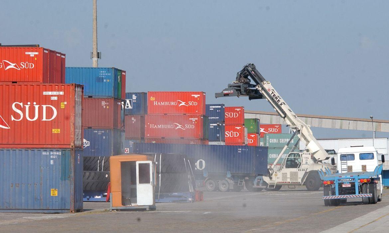 eua-encerram-investigacao-antidumping-sobre-molduras-brasileiras