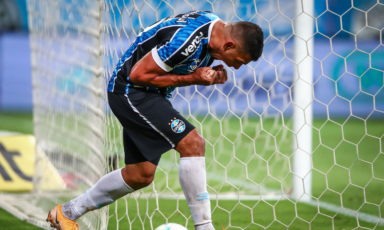 copa-do-brasil:-com-gol-de-diego-souza,-gremio-bate-sao-paulo