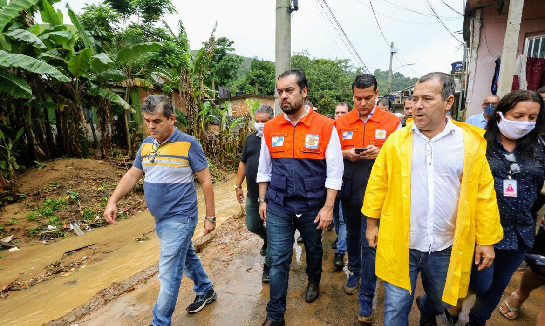 chuva-forte-deixa-familias-desalojadas-no-estado-do-rio