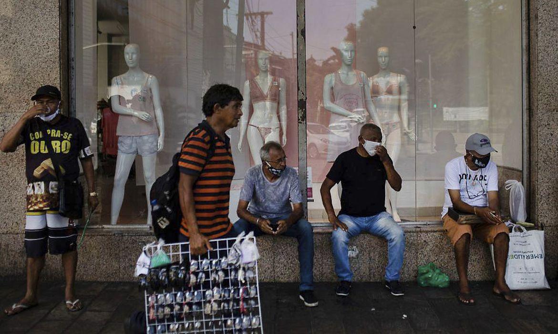 amazonas:-casos-de-covid-crescem-e-orgaos-pedem-fechamento-de-comercio