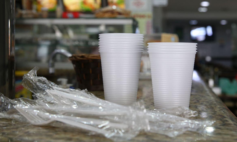 copos,-pratos-e-talheres-de-plastico-estao-proibidos-em-sao-paulo