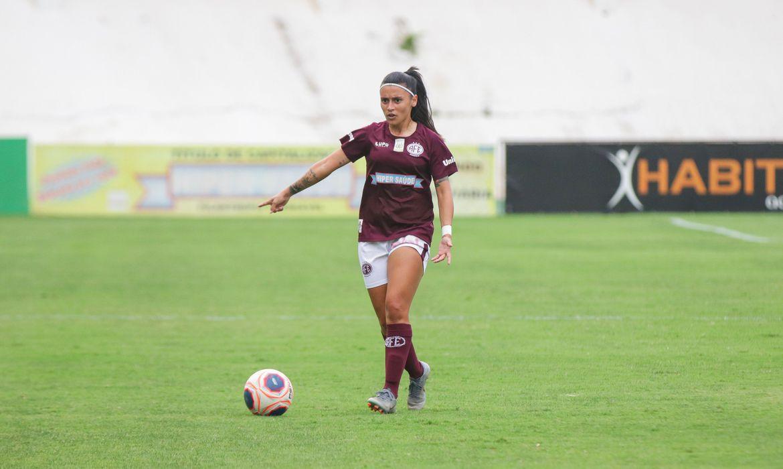 futebol-feminino:-palmeiras-contrata-meio-campista-rafa-andrade