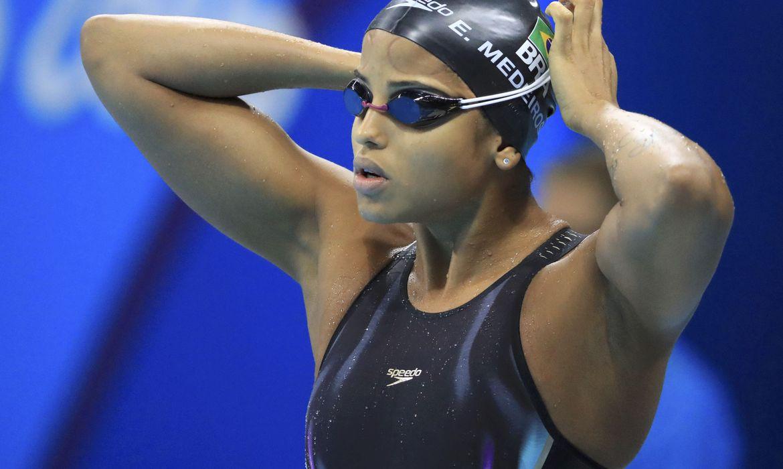 etiene-e-cielo-sao-eleitos-os-melhores-nadadores-da-decada-no-brasil
