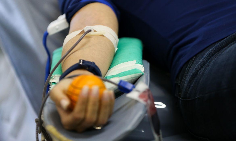com-estoque-em-nivel-critico,-amazonas-tenta-atrair-doadores-de-sangue