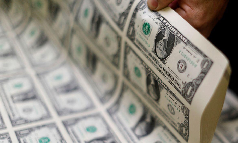 dolar-fecha-acima-de-r$-5,50-em-dia-de-tensao-externa