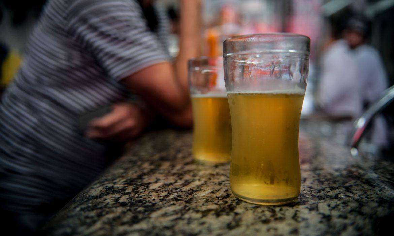 janeiro-branco-pede-atencao-para-o-aumento-do-consumo-de-alcool