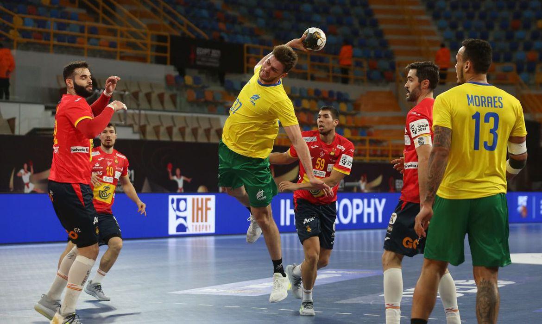 mesmo-desfalcado,-brasil-estreia-com-empate-no-mundial-de-handebol