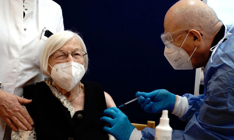 covid-19:-entidade-orienta-sobre-vacinacao-em-pacientes-reumaticos