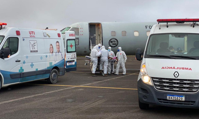 setenta-e-sete-pacientes-com-covid-19-foram-transferidos-do-amazonas