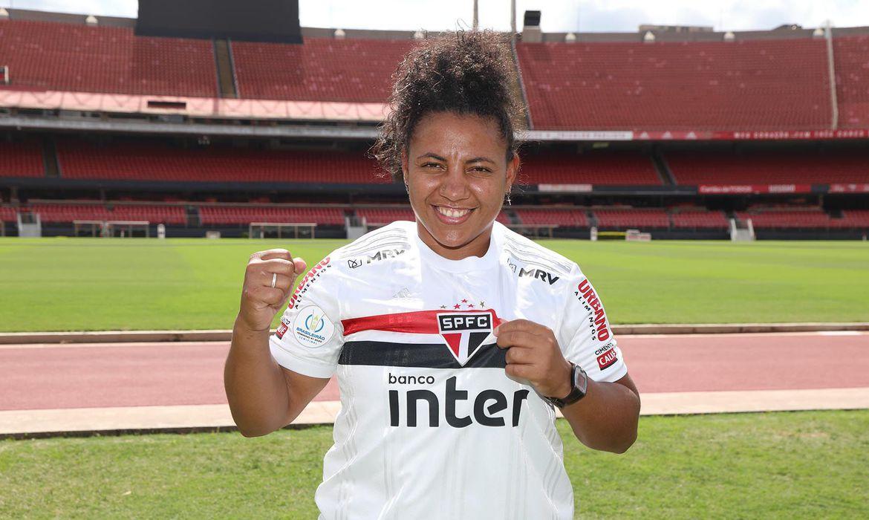 sao-paulo-acerta-retorno-de-artilheira-do-ultimo-brasileirao-feminino
