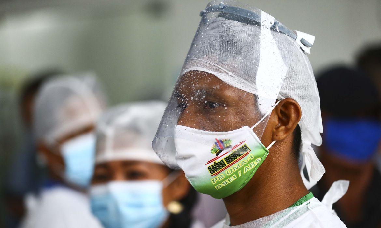 covid-19:-115-pacientes-foram-transferidos-do-amazonas-para-tratamento