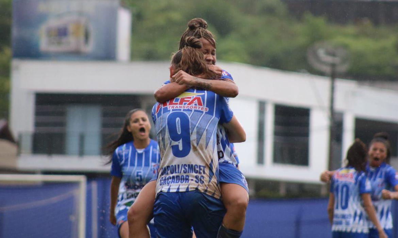 napoli-sc-bate-botafogo-e-encaminha-vaga-a-elite-do-futebol-feminino