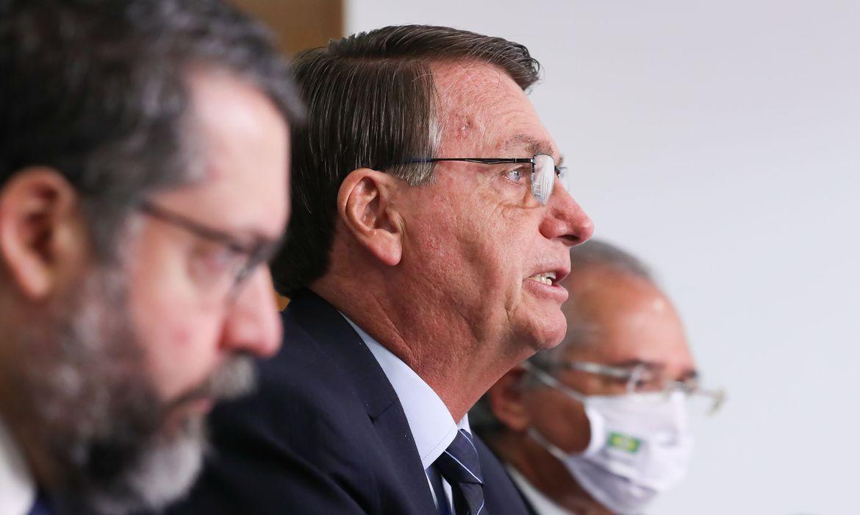 governo-e-favoravel-a-importacao-privada-de-vacinas,-diz-bolsonaro
