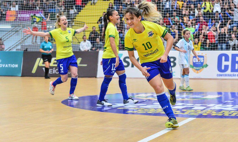 com-hepta-de-amandinha,-brasil-domina-premiacao-do-futsal-mundial