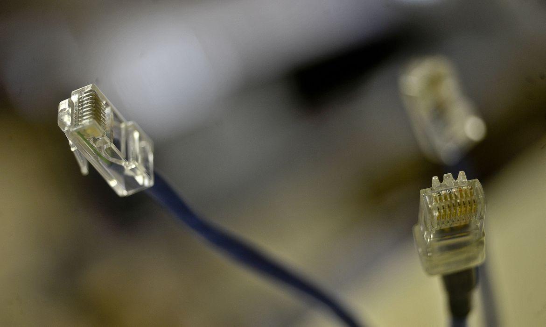 nova-meta-do-governo-preve-fibra-otica-em-99%-das-cidades-brasileiras