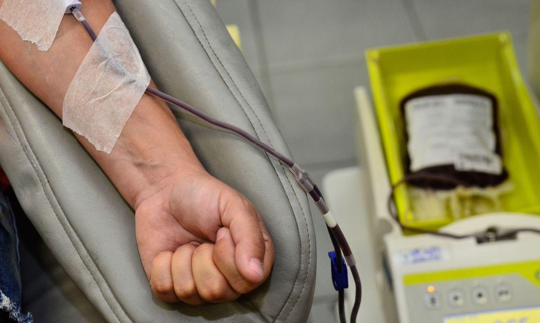 ministerio-incentiva-doacao-de-sangue-antes-de-imunizacao-contra-covid