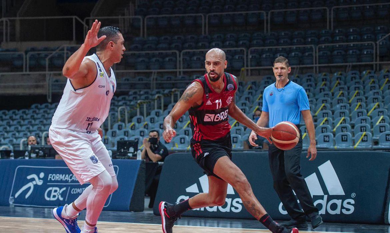 basquete:-flamengo-bate-minas-em-estreia-na-champions-das-americas