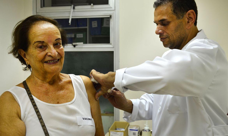 prefeitura-de-sp-antecipa-vacinacao-de-idosos-a-partir-de-90-anos