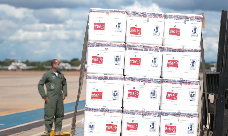 empresa-doa-5-mil-caixas-termicas-para-transporte-de-vacinas