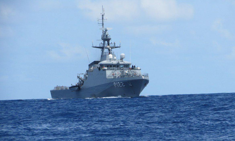 marinha-e-pf-apreendem-barco-com-cocaina-na-costa-de-pernambuco