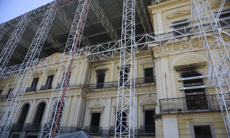 museu-nacional-do-rio-de-janeiro-da-mais-um-passo-em-sua-reconstrucao
