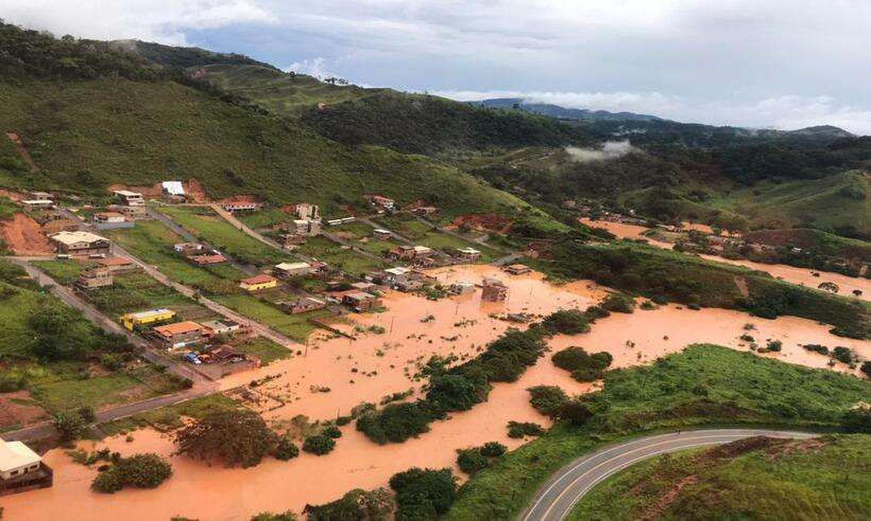chuvas-provocam-alagamentos-e-deslizamentos-em-cidade-mineira