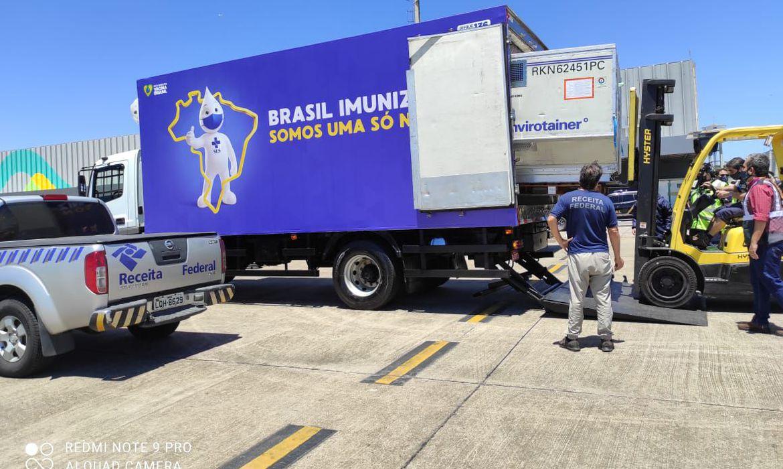 estado-do-rio-recebe-196-mil-doses-da-vacina-oxford/astrazeneca