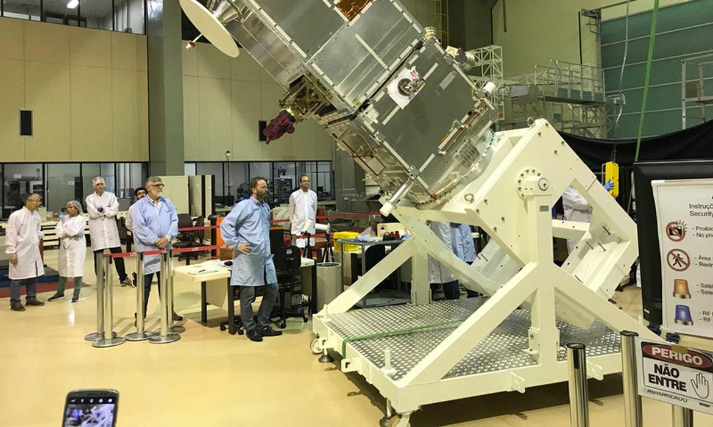 ao-vivo:-satelite-brasileiro-amazonia-1-e-lancado-na-india