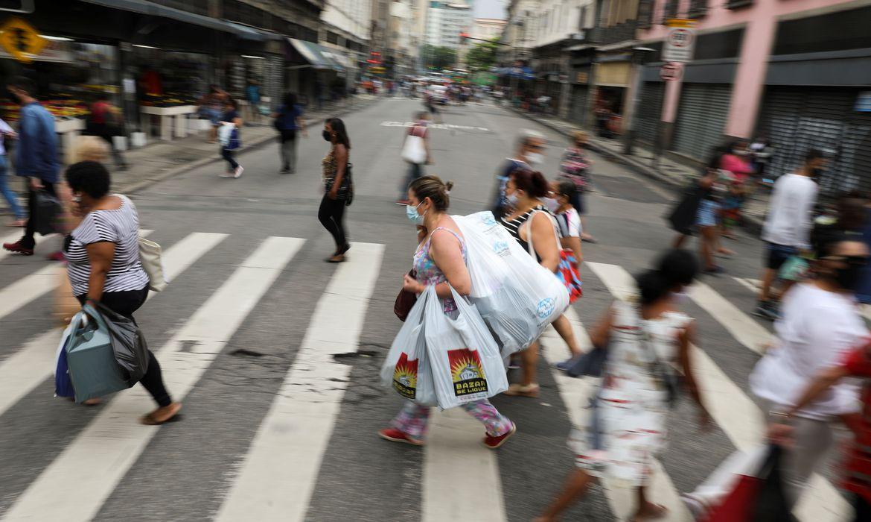 brasil-acumula-10,5-milhoes-de-casos-e-254-mil-mortes-por-covid-19