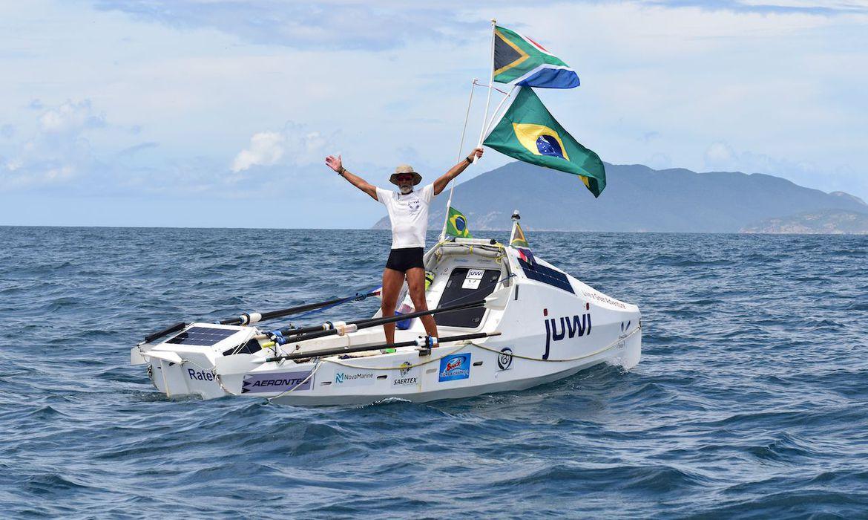 sul-africano-bate-recorde-mundial-de-travessia-a-remo-do-atlantico