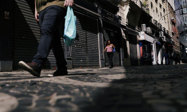 cnc-aponta-fechamento-de-75-mil-lojas-em-2020