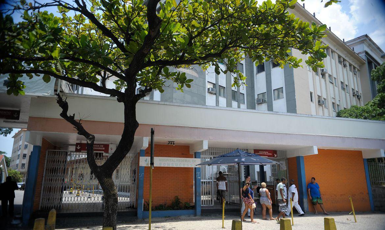 hospitais-federais-no-rio-perdem-1,4-mil-profissionais-temporarios