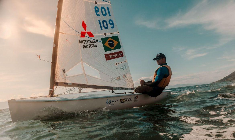 vela:-jorge-zarif-recebe-barcos-da-olimpiada-para-treinos-no-brasil