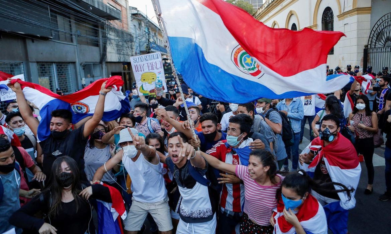 assuncao-registra-violencia-apos-resposta-a-pandemia-gerar-protestos