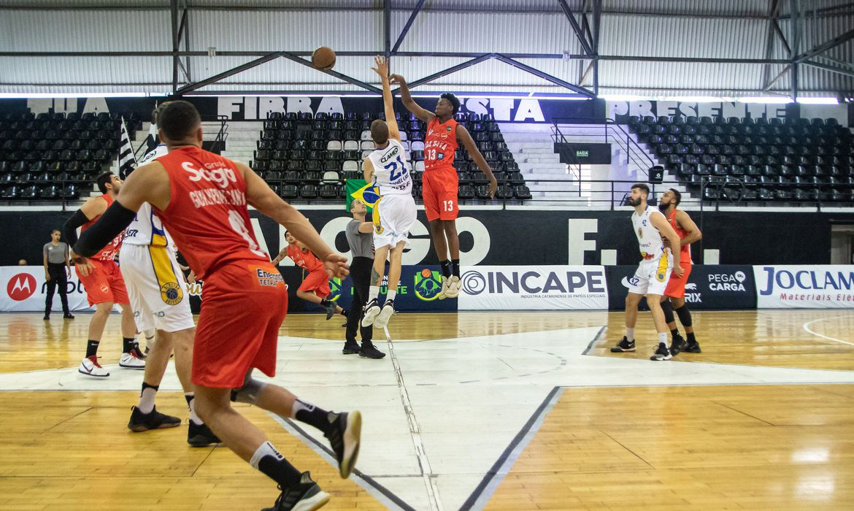 blackstar/unisociesc-vence-vila-nova/aegb-pelo-brasileiro-de-basquete
