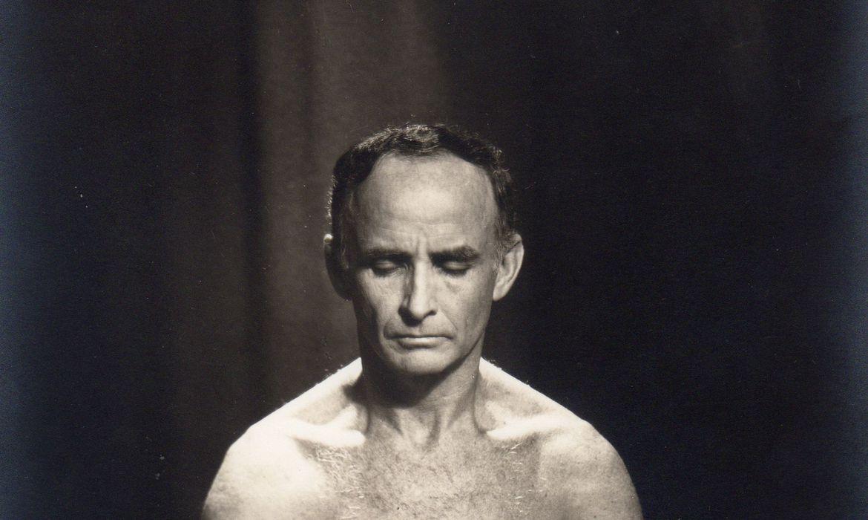 hermogenes,-100-anos:-pioneiro-da-ioga-mudou-a-vida-apos-tuberculose