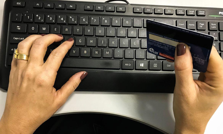 contribuinte-podera-pagar-taxas-federais-com-cartao-de-credito