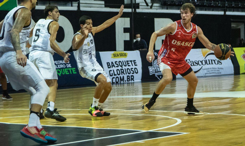 brasileiro-de-basquete:-osasco-domina-botafogo-e-alcanca-as-quartas