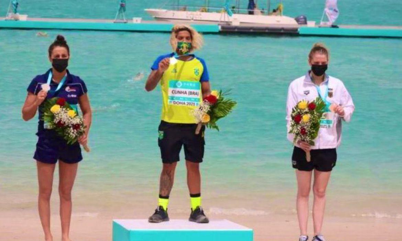 maratona-aquatica:-ana-marcela-vence-etapa-de-doha-do-circuito-mundial