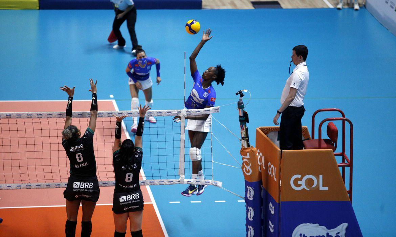 itambe/minas-vence-brasilia-volei-e-esta-na-semifinal-da-superliga