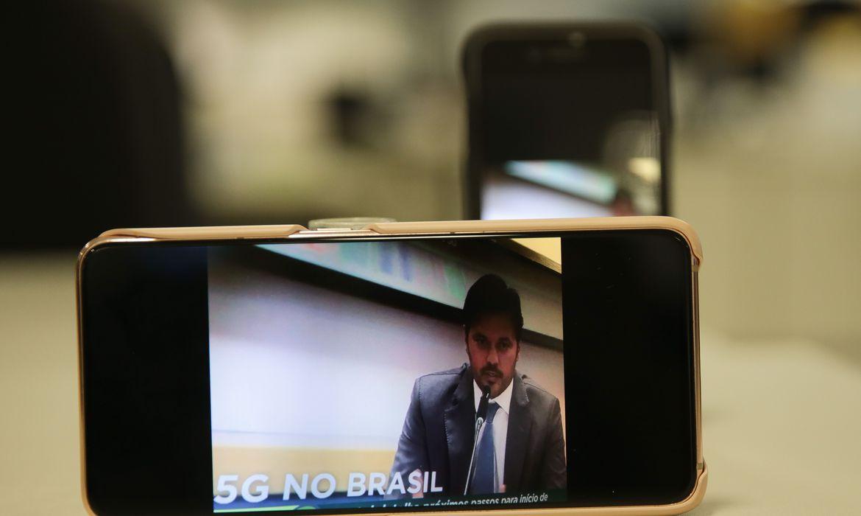 ao-vivo:-fabio-faria-fala-sobre-implementacao-do-5g-no-brasil
