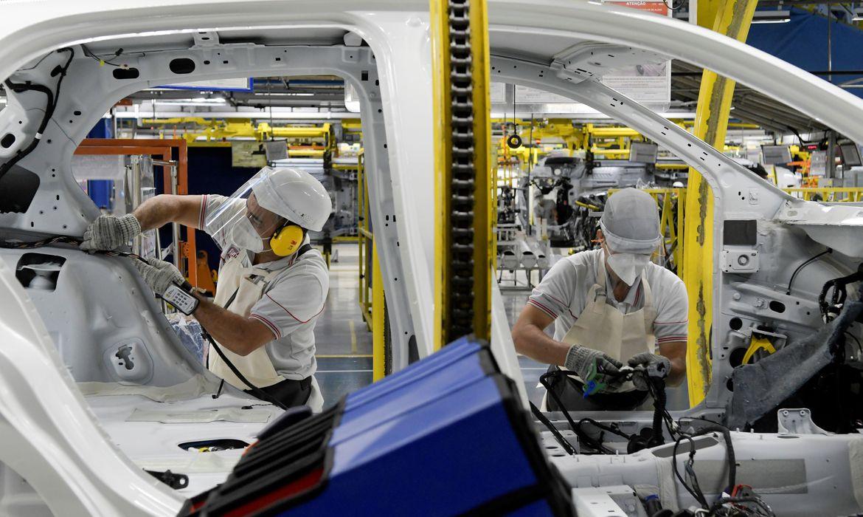 volkswagen-e-mercedes-benz-paralisam-fabricas-no-brasil
