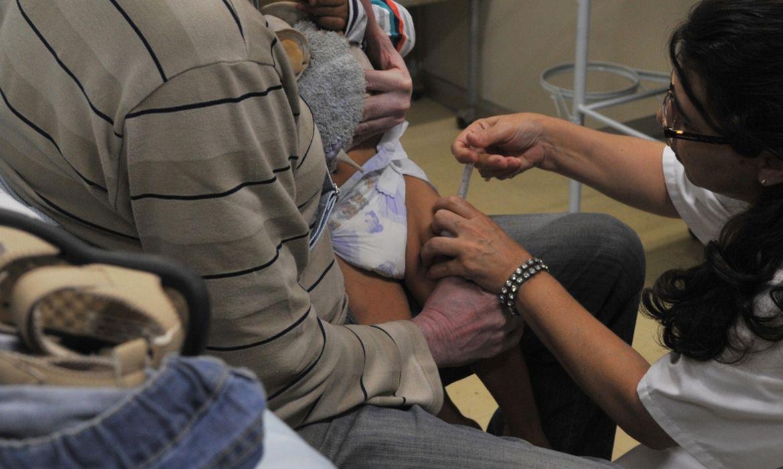pesquisa-alerta-que-pais-adiaram-vacina-contra-meningite-na-pandemia