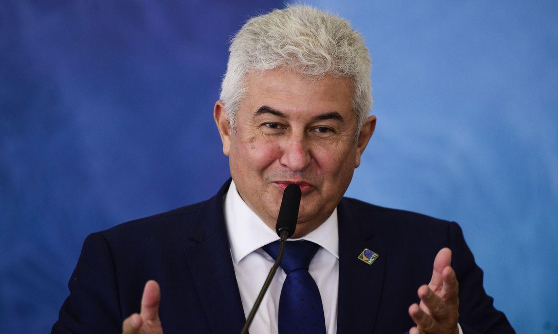 ministro-anuncia-desenvolvimento-de-vacina-financiada-pelo-governo